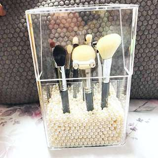 Acrylic Brush Holder with pearls (exclude brushes)