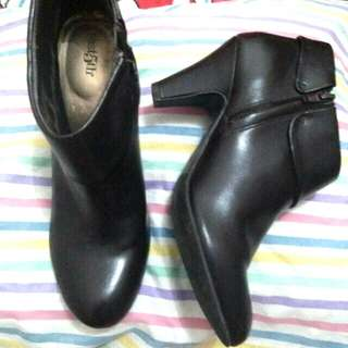 Original East5th low cut boots from Guam