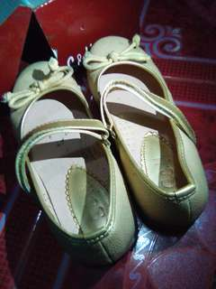 S&H Gold Doll Shoes