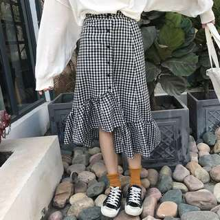 👗韓版不規則黑白格子長裙 半身裙 A字裙 顯瘦款 荷葉邊 新款 魚尾裙 時尚個性 復古