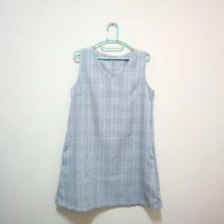 Loose dress tartan