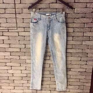 窄版刷色牛仔褲