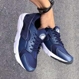 Nike Huarache Navy White.