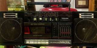 Vintage Toshiba Bombeat Radio Functions. Cassette needs to be repaired