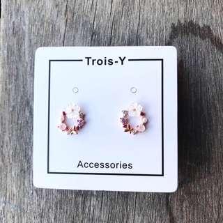 《 花 · 耳環 》 《floral earrings》《 包郵 · postage included 》
