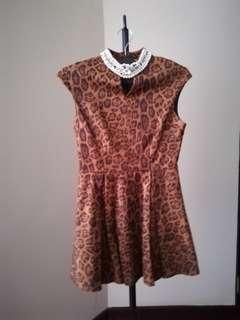 Leopard Print cute short elegant little dress pearl necklace