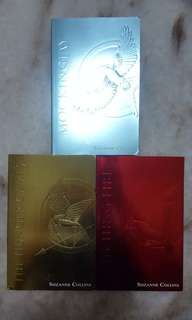 Hunger games mocking jay catching fire paperback series