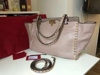 Valentino Rockstud medium leather trapeze bag