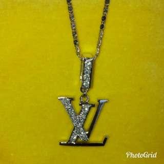 🔥LV款  18K白金鑽石吊墜,21份天然鑽石,大約F-G色  白浄閃亮!(浄吊墜,不包頸鏈) 出讓