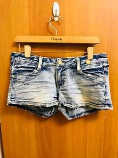 🚚 牛仔短褲(淺色)