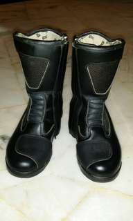 Used woman bike boots