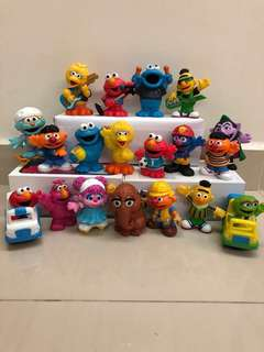 Sesame Street figurines (19 designs)