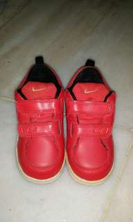 Used nike dragon for kid