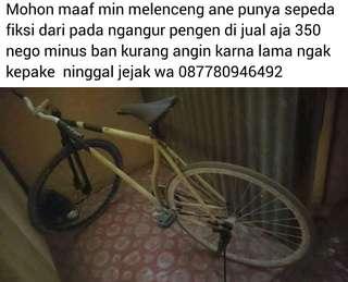 "Maaf agan""kalo ada yang jual sepeda fixie tolong bisa chtt saya lewat wa no wa nya:085814198850 cod jakut jln kramat jaya islamic gk mw jauh""sekian terimakasi"