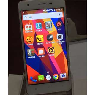 🚚 Meiigoo魅果H02雙卡雙待四核手機1G+8G,輕薄實用