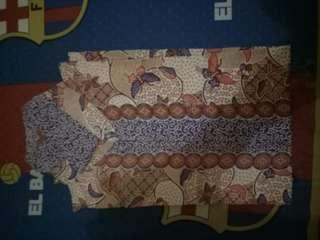 Batik edisi bersihin lemari