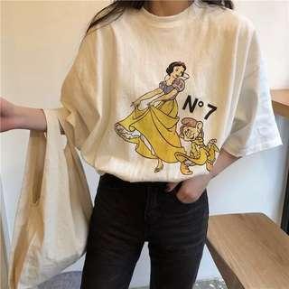 👉🏻韓版圓領白雪公主上衣👈🏻 寬鬆 舒適 打底 新款短袖T恤 中長款 素面 春夏 七個小矮人 童話 灰 白 N7
