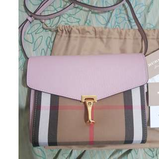 Burberry macken crossbody