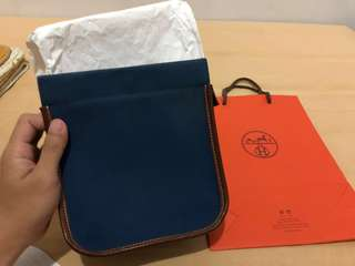 FOR SALE : HERMES TROUSSE CAMAIL PM INDIGO [PRE-LOVED]