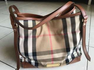 💯 Authentic Burberry Tote bag