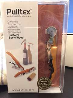 Pulltex's basic wood Corkscrew