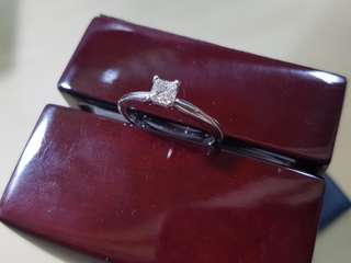 GIA certified 0.34 ct J color VVS1 clarity diamond engagement ring