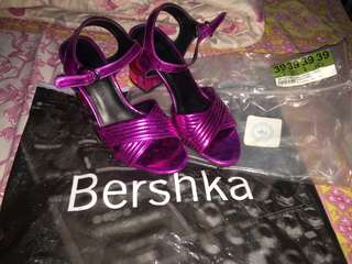 (Like New) Pink Shoes from Bershka