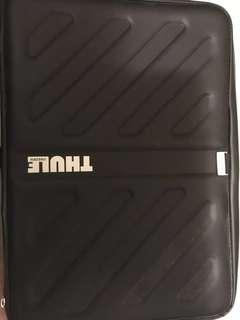 """THULE laptop waterproof bags black 15"""""""