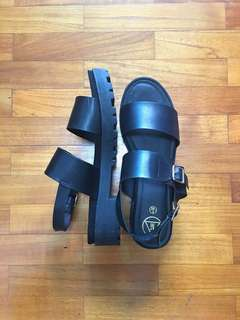 Missguided Black Platform Strappy Sandals