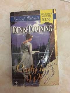 Buku Denise domning lady in white