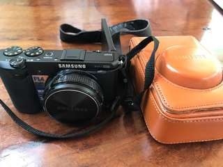 Samsung EX2F camera F1.4 aperture lens, WiFi connectivity, leather case