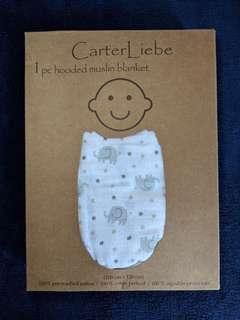 Carter Liebe's hooded muslin blanket