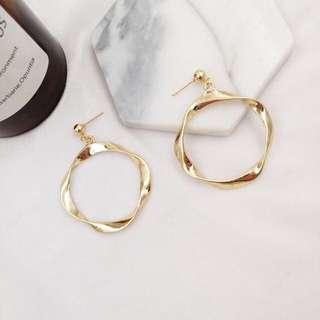 〰 Lexicon Twist Earrings