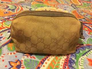 Gucci 化妝袋有磨損不影響使用環保價$300