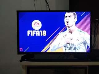Tv Hisense 32 inci