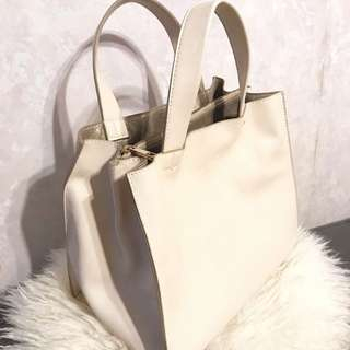 🈹Japan beige square handbag 日本米色方型手袋