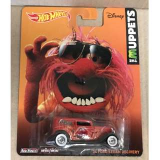 L Hot Wheels The Muppets '34 Ford Sedan Delivery.
