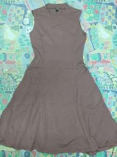 Uniqlo傘狀洋裝
