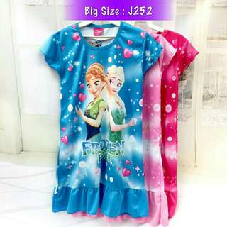 *FREE DELIVERY to WM only / Ready stock, 2pcs RM40* Kids frozen dress each as shown in design/color blue XL L, rose L XL, pink. Free delivery is applied for this item.