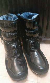 保暖加絨毛靴,防寒防水防滑,落雪地方著都唔怕冷