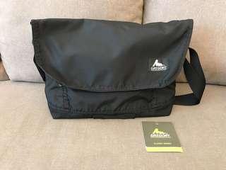 Gregory metro messenger bag
