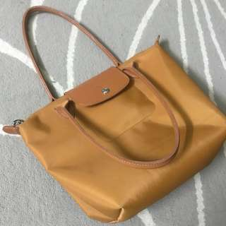 Longchamp Planetes Medium Longhandle brown mustard