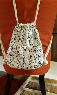 Brand new BN cat drawstring bag / back pack for kids and teenagers