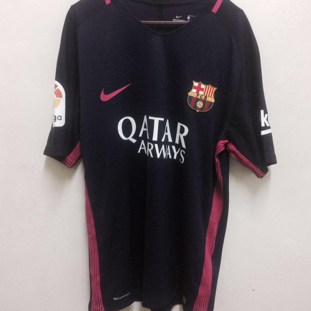 official photos b00bf 9dbef Barcelona Away Kit 2016