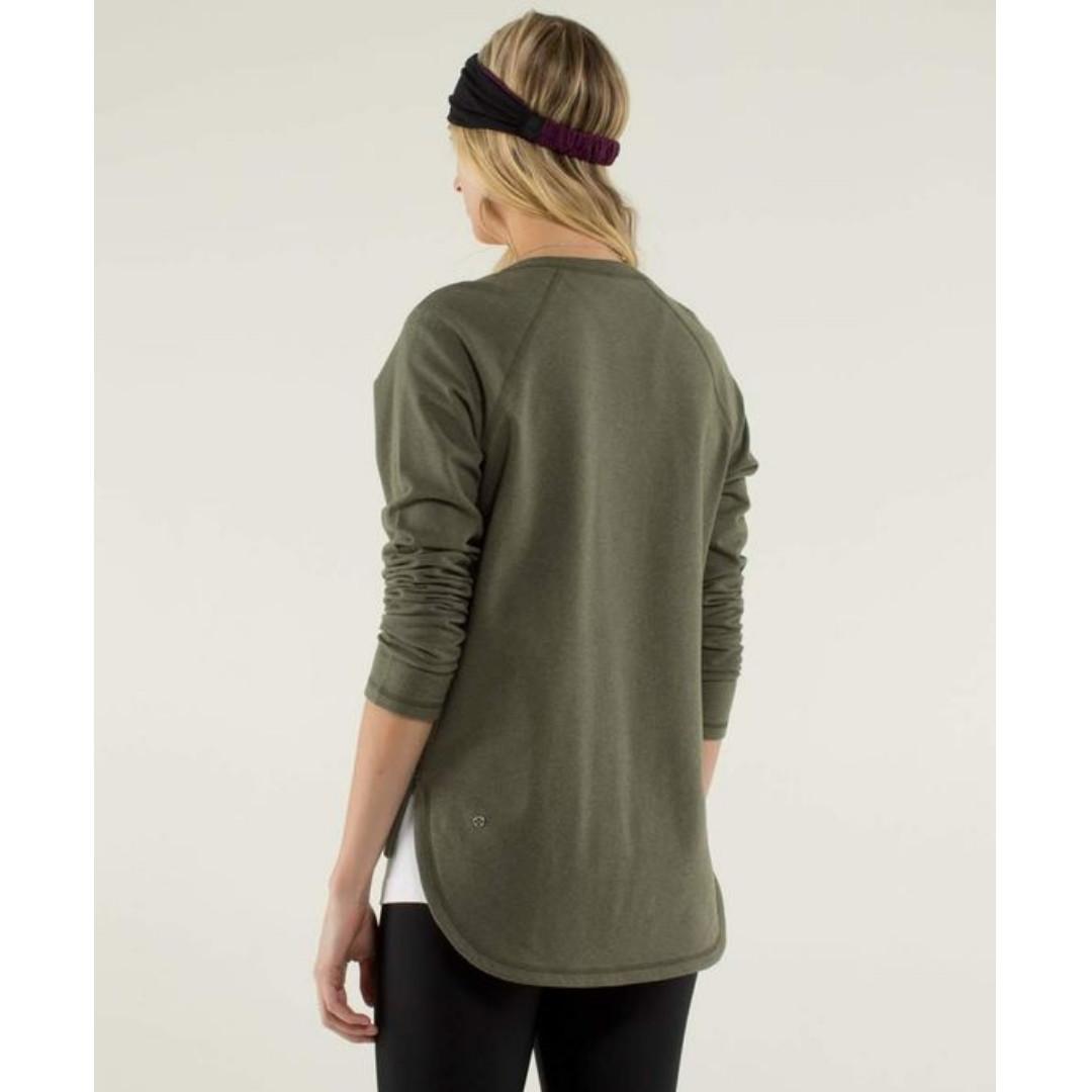 Lululemon After Asana Pullover Size 6 / Sweater Heathered Green