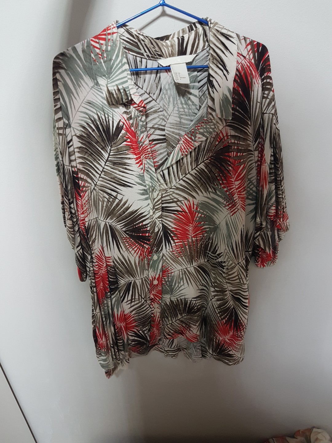d6f011a1 Tropical Top from H&M, Women's Fashion, Clothes, Tops on Carousell