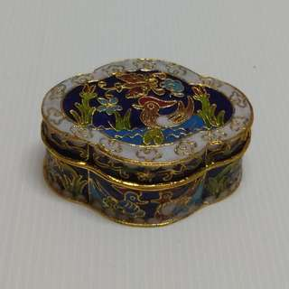 Chinese Vintage Cloisonne Necklace Box Begonia Shape Jewelry Box Bronze Enamel Mandarin Duck Design Trinket Box
