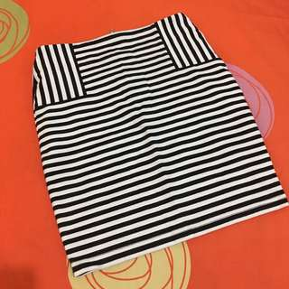 F21 Black and White Skirt