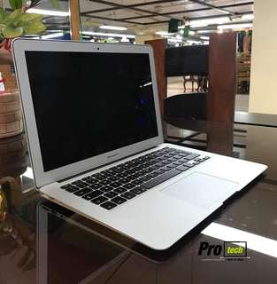 MacBook Air 13 inch 2015 4GB 128 SSD