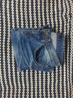 「女褲」淺刷色牛仔褲